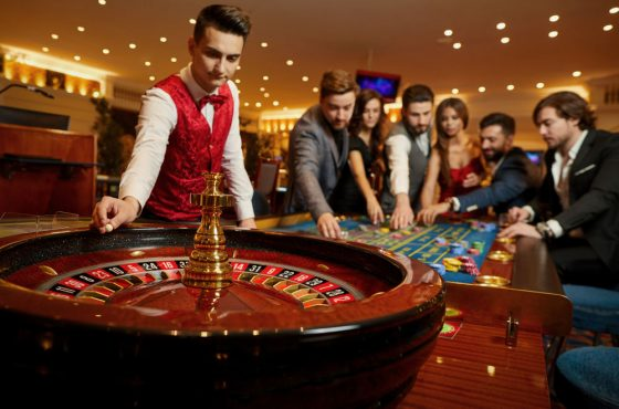 roulette 15664651315272 1 560x370 - Players You Would Find in Casinos